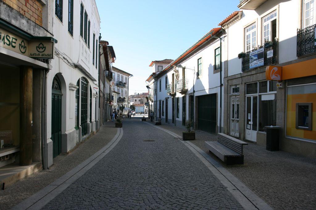 Rua Bento Carqueja, no centro da cidade de Oliveira de Azeméis