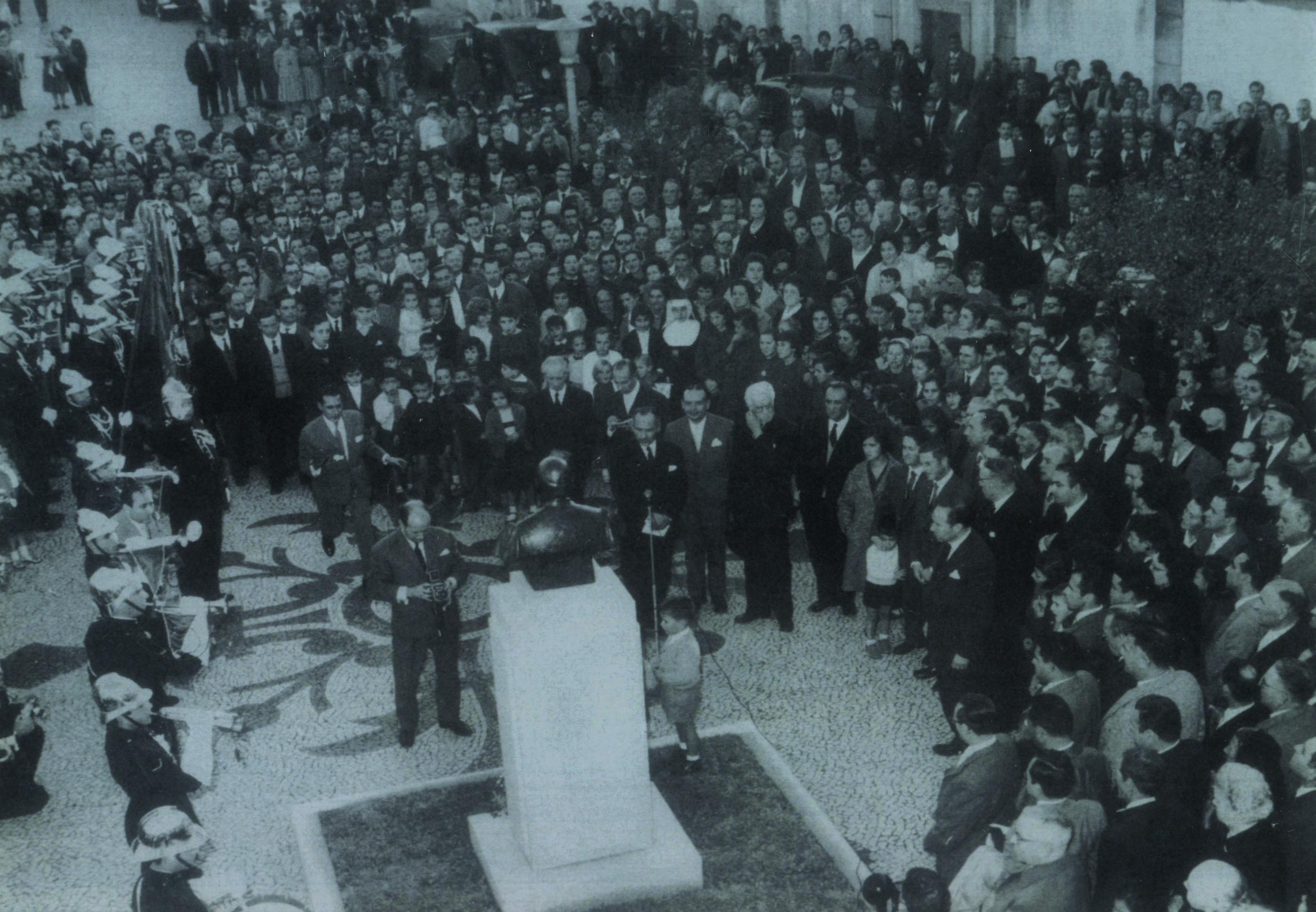 Descerramento do busto de Bento Carqueja no centenário do seu nascimento (1960)