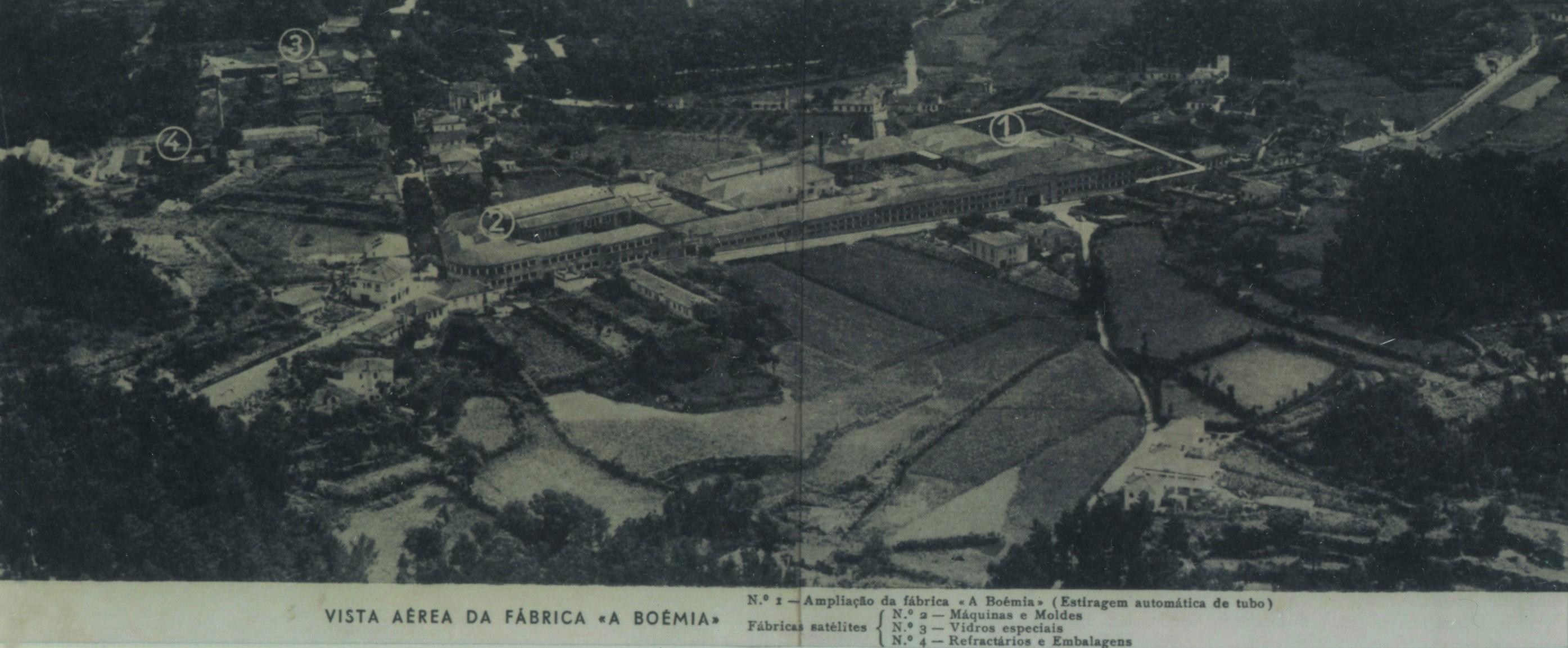 Vista aérea da fábrica de vidro «A Boémia» (1964)