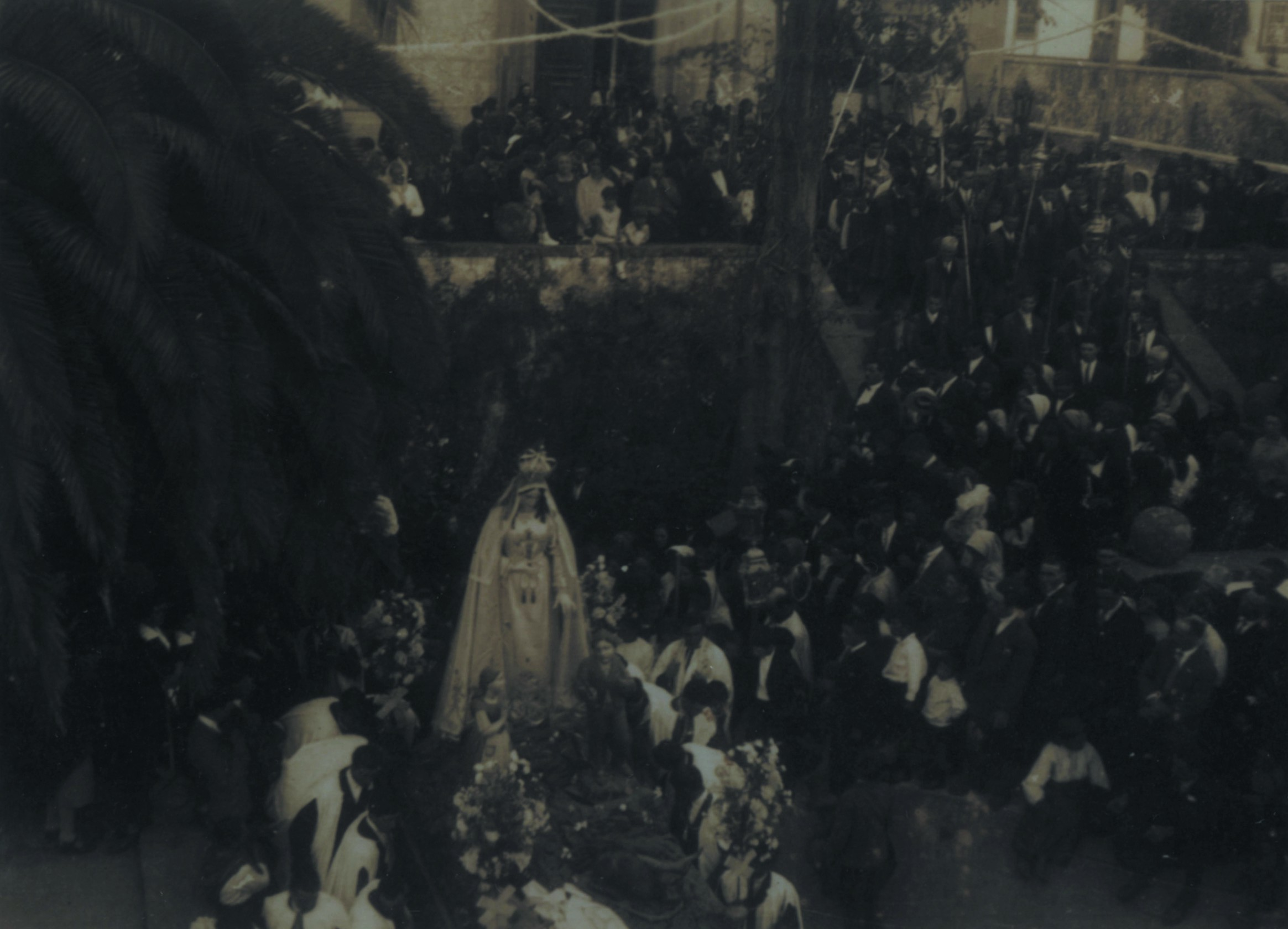 Procissão de La Salette saída da igreja (1932)
