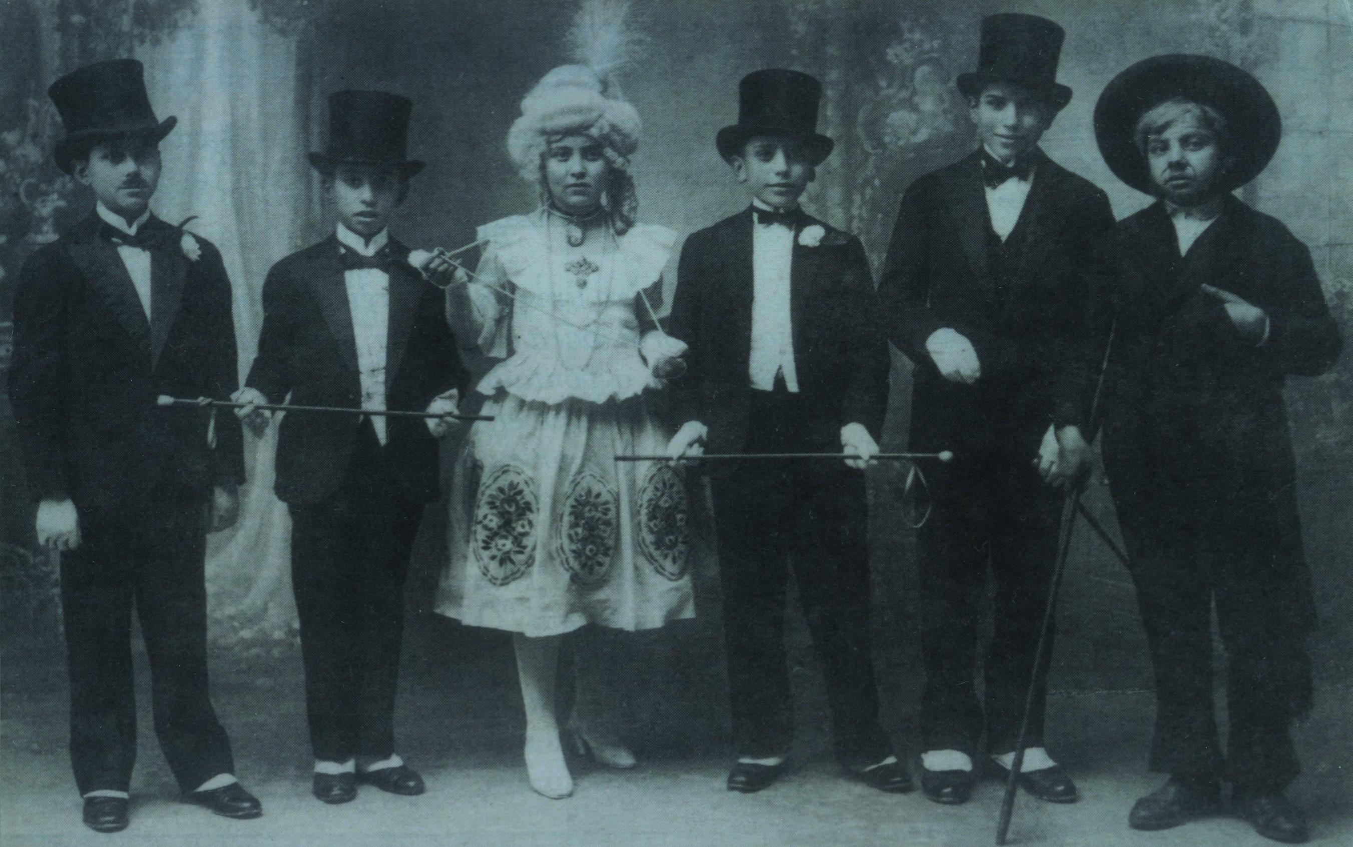Representação teatral na Escola de Artes e Ofícios «O Comércio do Porto» (1928)