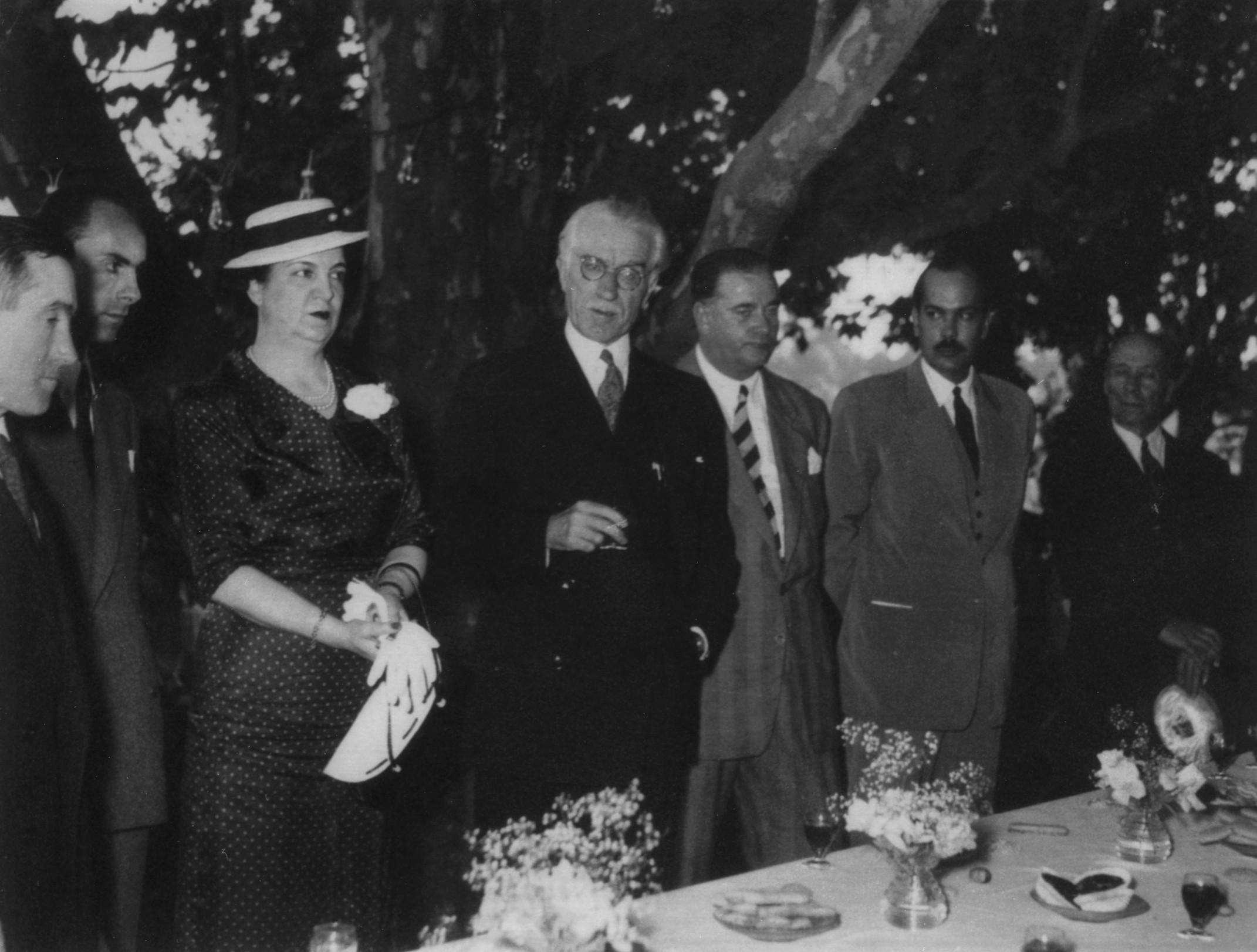 Primeira exposição/feira inaugurada pelo presidente da Associação Nacional Dr. Albino dos Reis (1952)