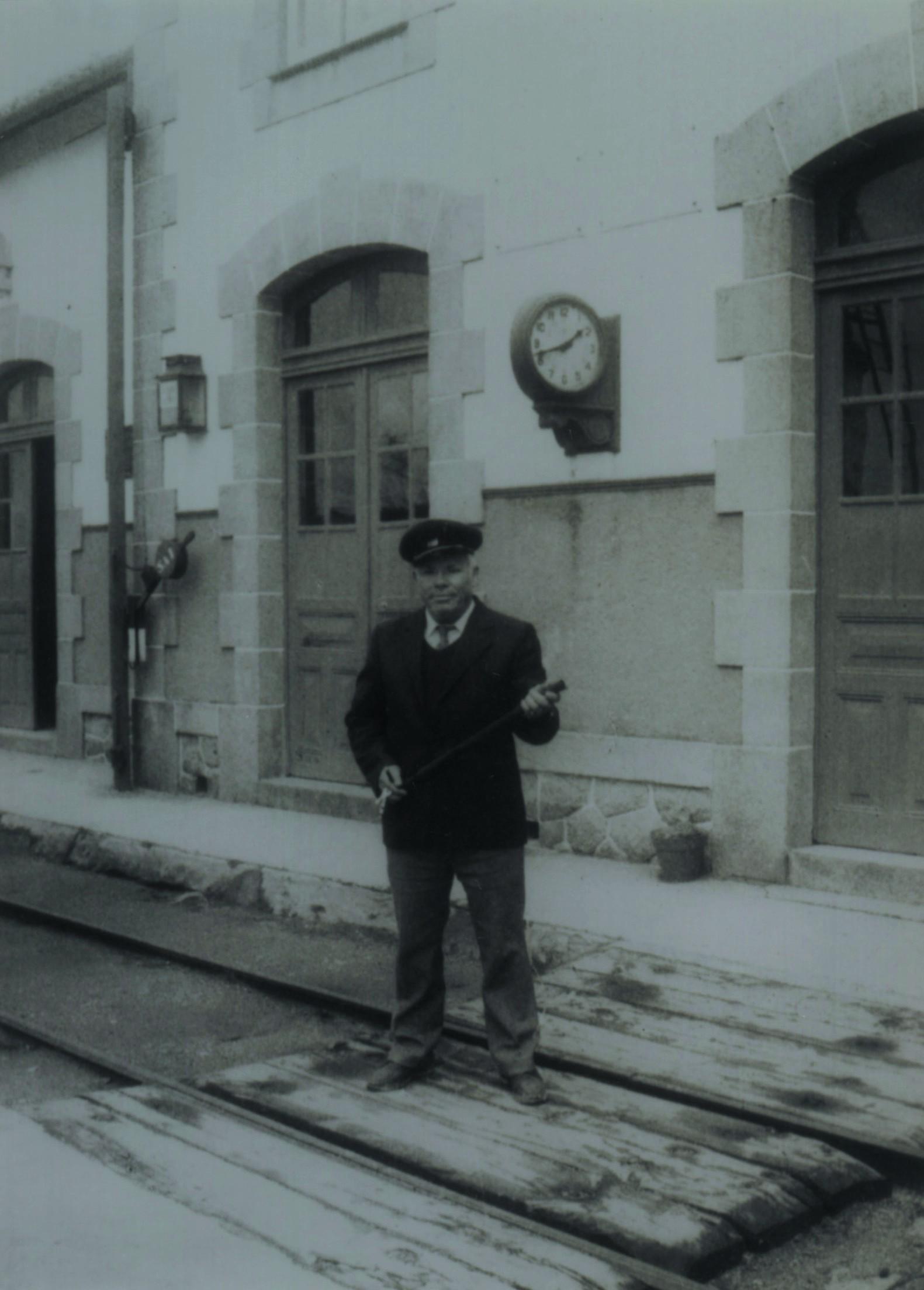 Chefe da estação dos caminhos de ferro (Anos 60)