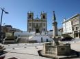 Espaço fronteiriço à igreja matriz de Oliveira de Azeméis