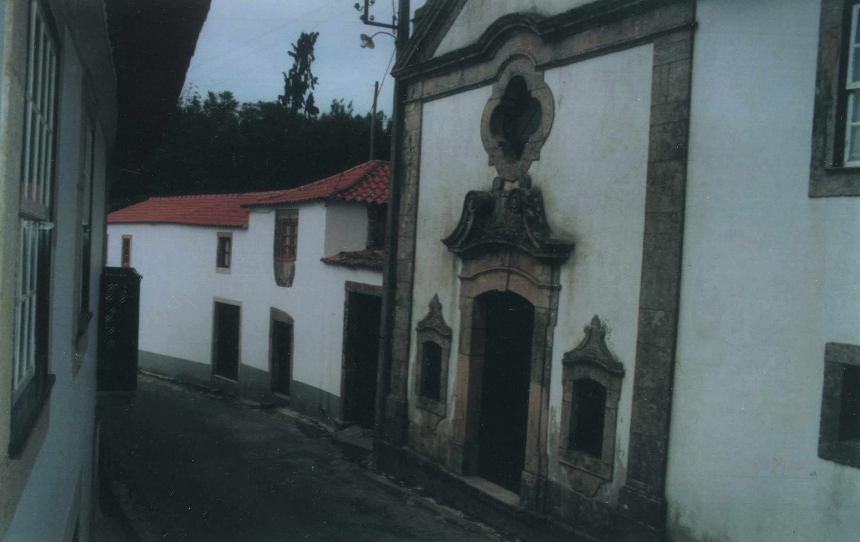 Casa e capela dos Barbosa, Pinheiro da Bemposta (1998)