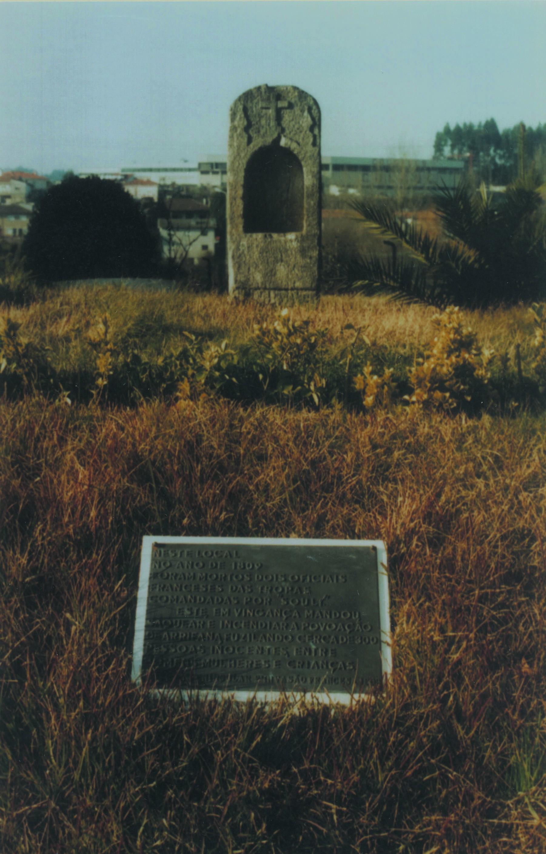 Local onde foram mortos dois oficiais franceses durante a revolução francesa, Santiago de Riba-Ul (Anos 90)