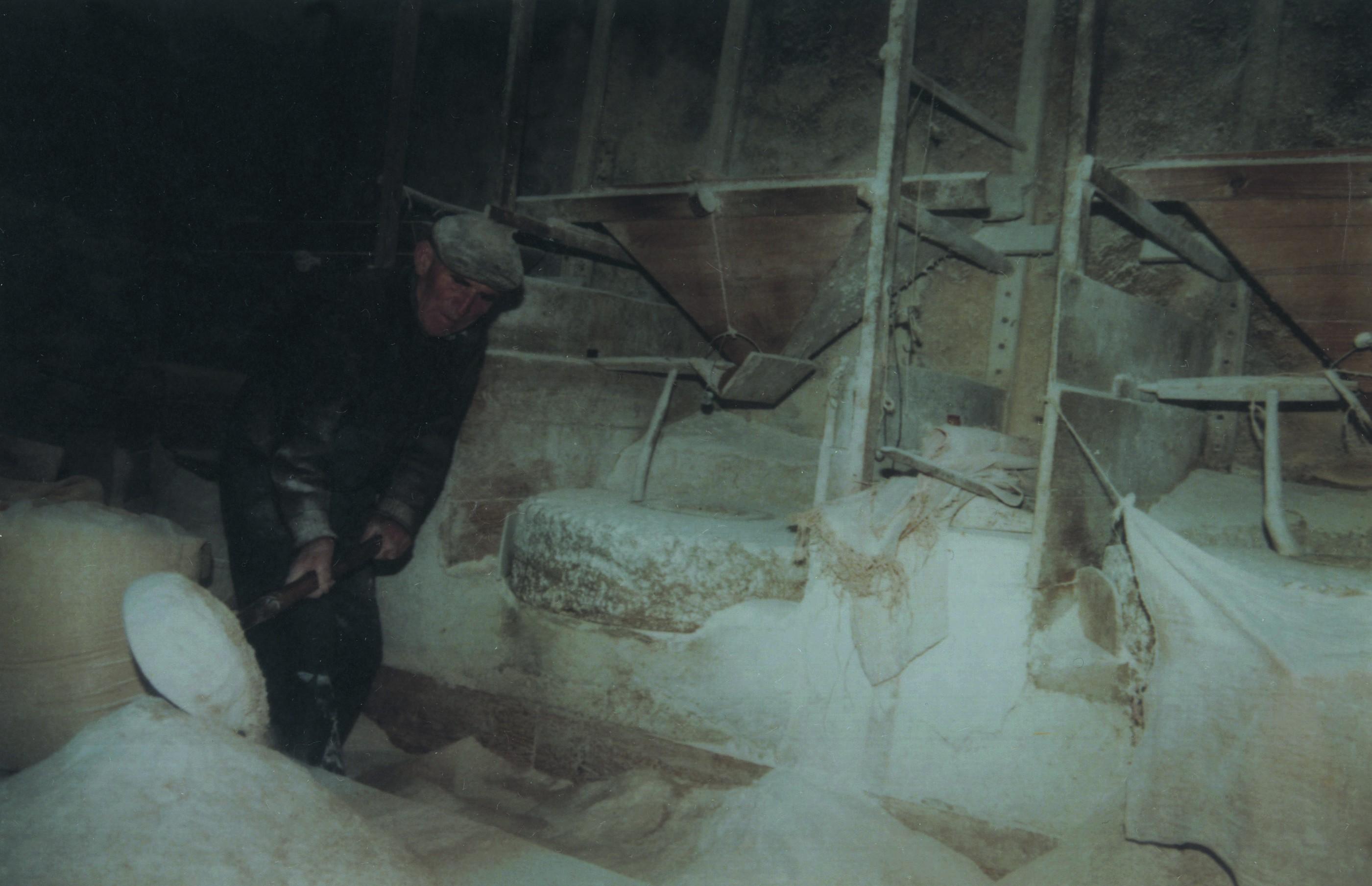 Moleiro no interior do moinho, Ul (Anos 90)