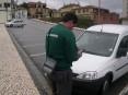 Fiscalização do estacionamento é assegurada por dois fiscais da empresa «CostaParques»