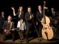 O grupo Lucky Duckys actua no dia quatro de Dezembro no espectáculo «Jingle Bells Rock»
