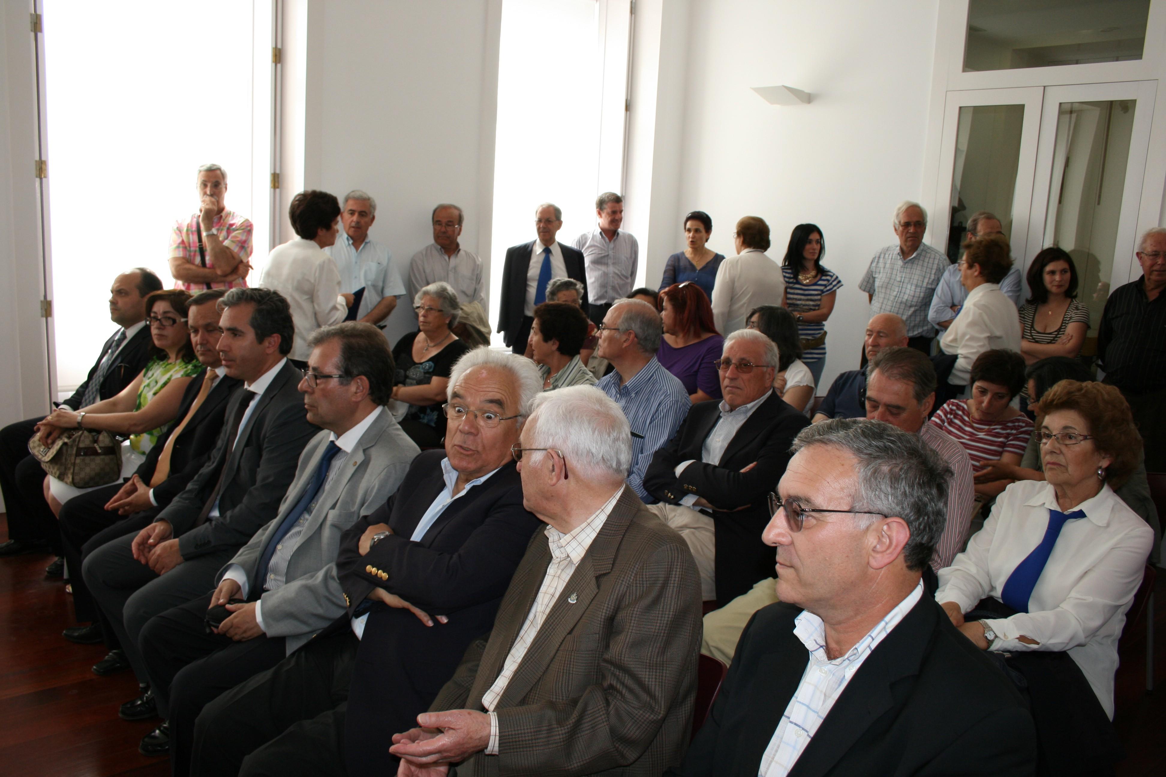Sessão solene do aniversário da cidade no arquivo municipal