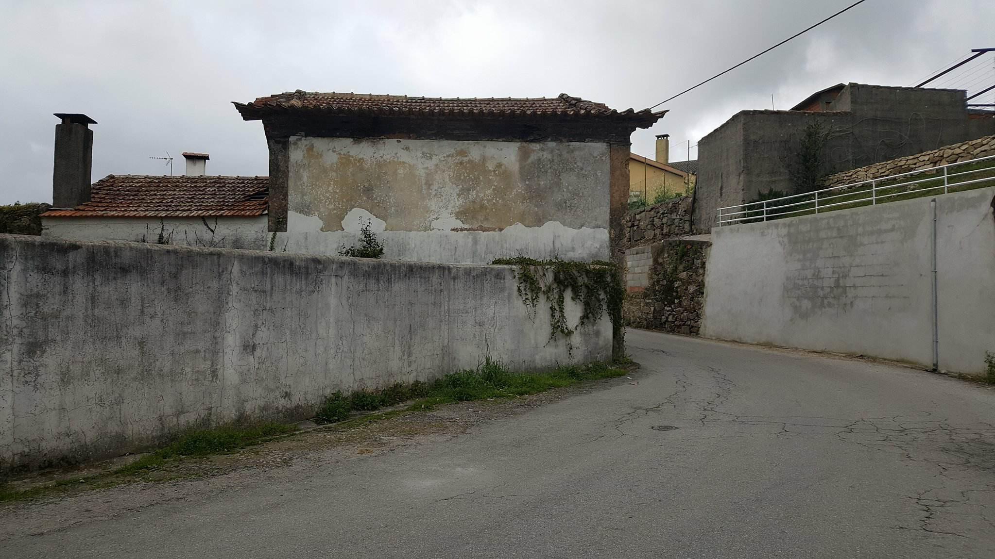 Rua do Rei, no lugar de Figueiredo, Pinheiro da Bemposta