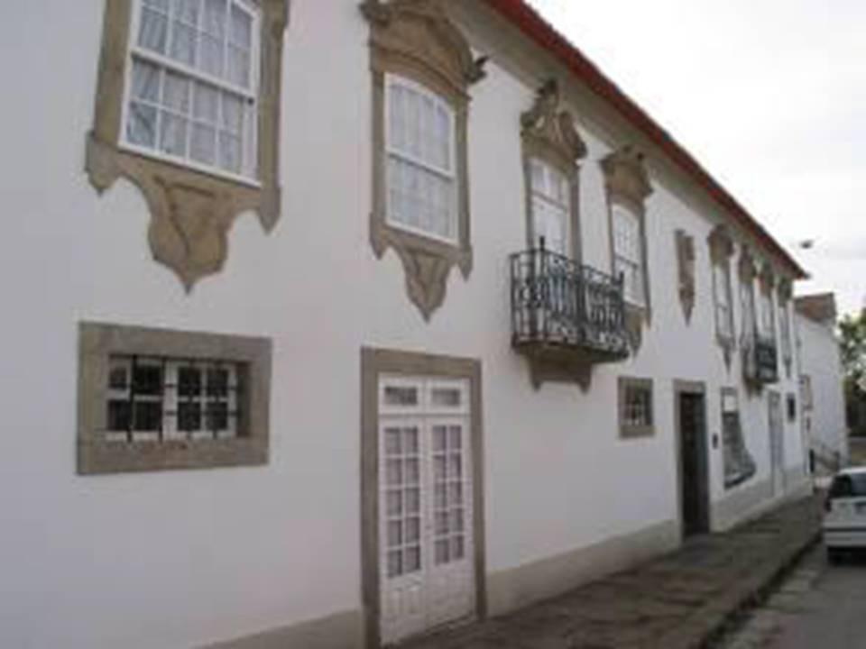 Oliveira de Azem�is